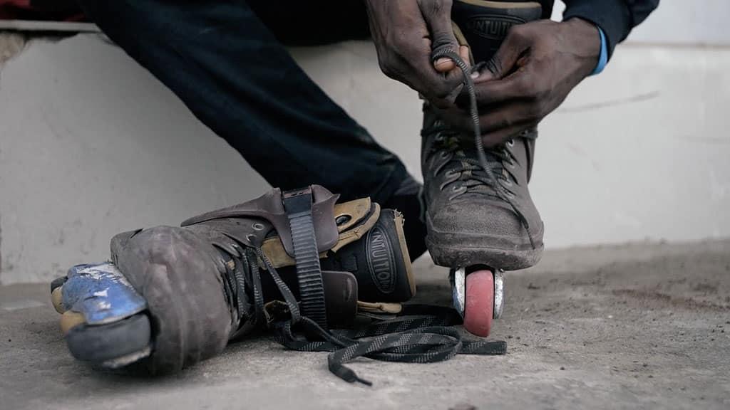 Rollers à Lagos - photo : © UntitledfilmWorks