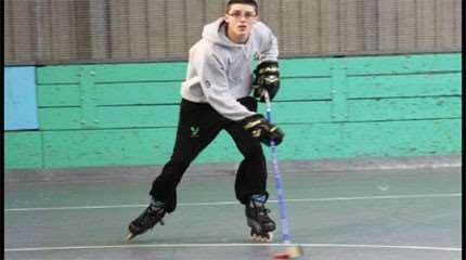 apprendre roller hockey aller vers avant small
