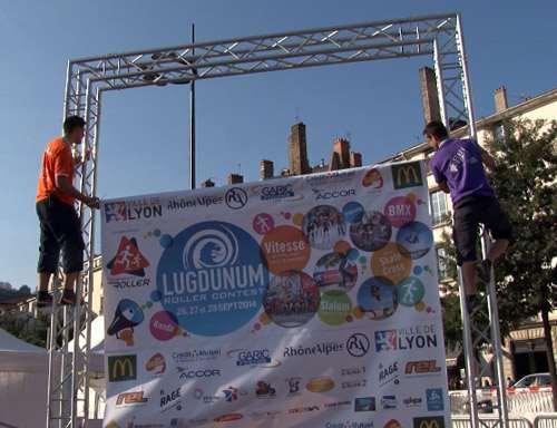 Mise en place de la bannière des partenaires au Lugdu 2014