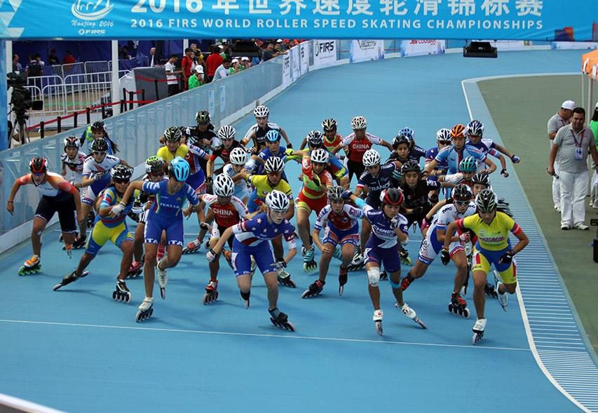 Départ de la course à éliminations juniors dames
