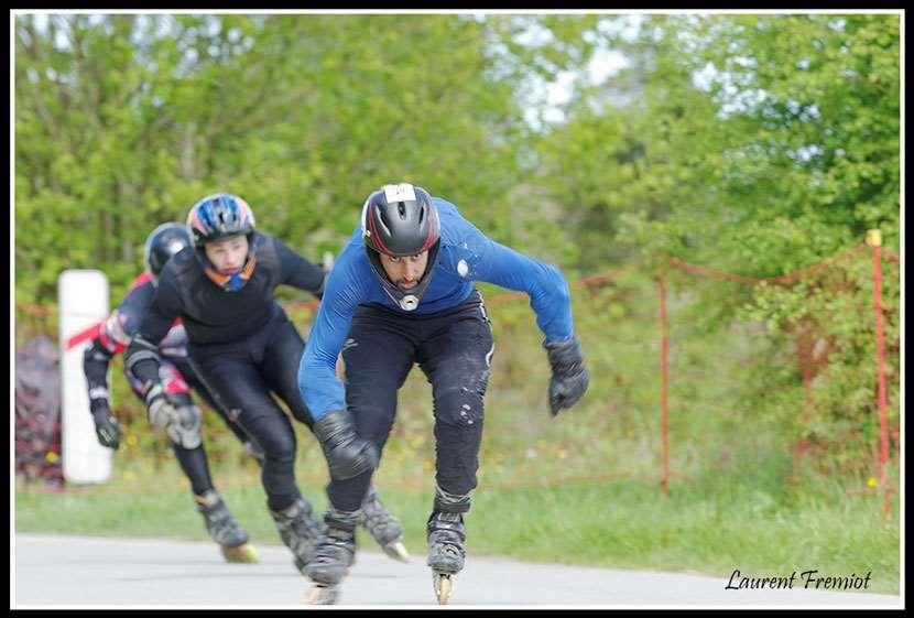 Compétition de roller de descente