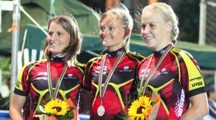 L'équipe senior allemande (Sabine Berg à droite)