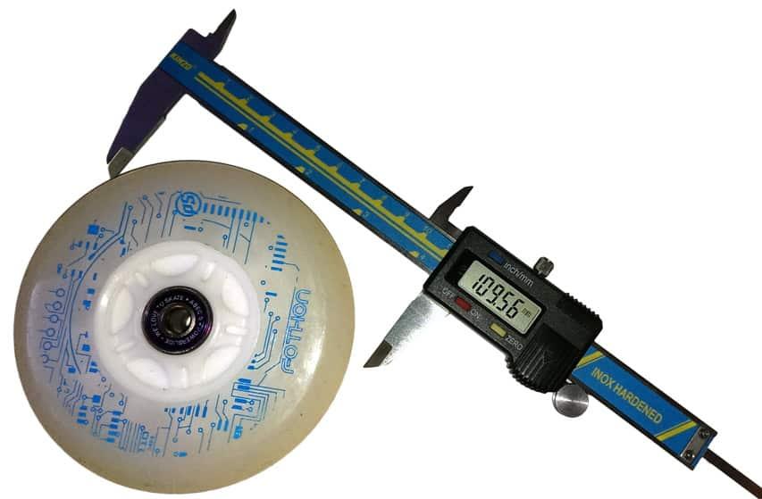 Pied à coulisse pour mesurer les roues de roller