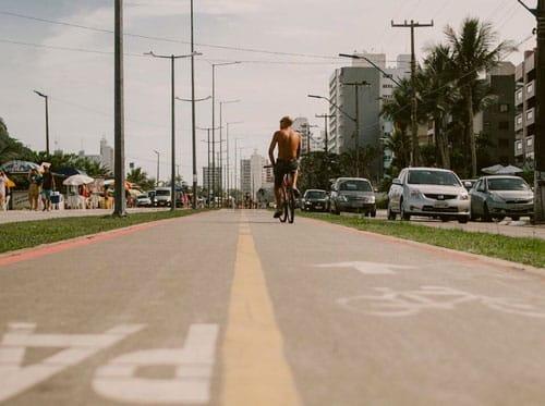 Une piste cyclable urbaine