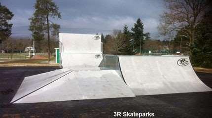 skatepark brettes les pins 2013 small