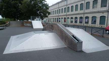 skatepark chatellerault bord de vienne 03 small