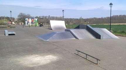 skatepark dampierre en burly small