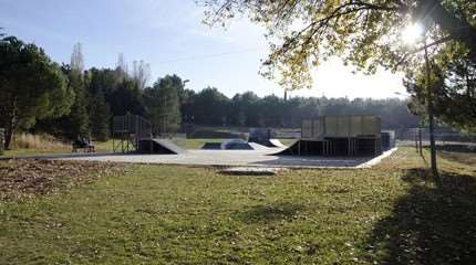 skatepark le cres small