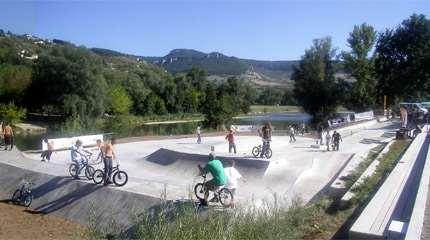 skatepark millau concrete waves 01 small