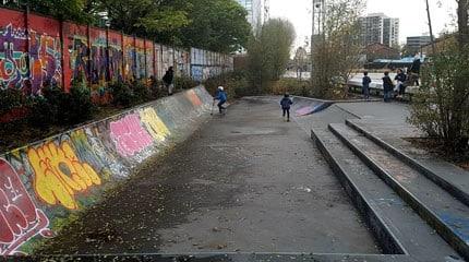 skatepark mini longue pantin small