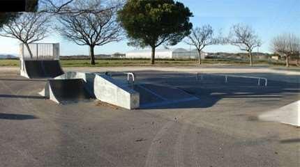skatepark saint chaptes small