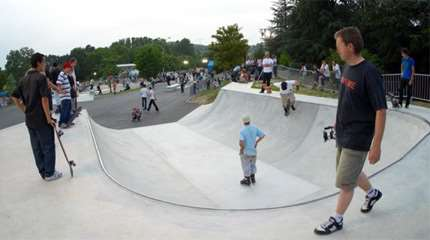 skatepark villefontaine concrete waves 01 small