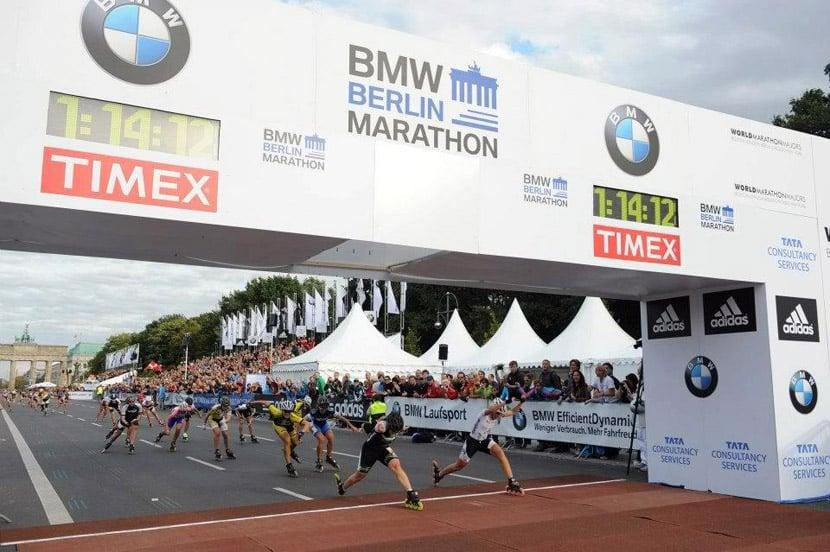 Sprint d'arrivée des femmes au marathon roller de Berlin 2012