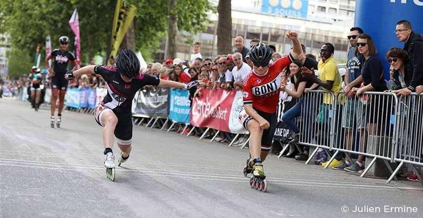 Sprint d'arrivée des seniors femmes au marathon de Rennes sur Roulettes